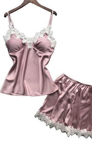 Pijamale roz din satin si dantela alba