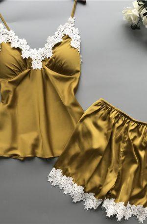 Pijamale galben/mustar din satin si dantela